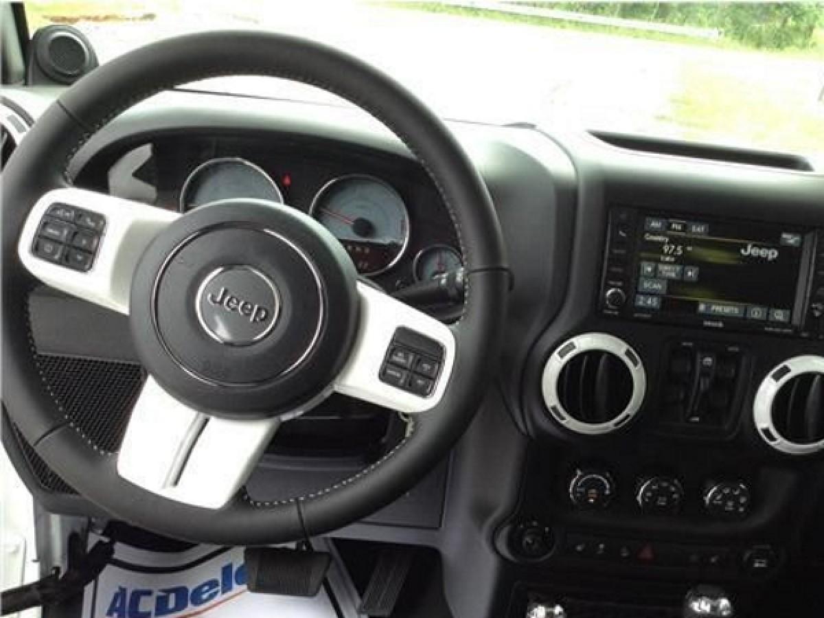 Genuine Chrysler 1TL38DX9AD Steering Wheel
